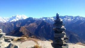 Fotvandra i Himalayas fotografering för bildbyråer