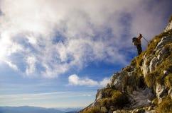 Fotvandra på klipporna Fotografering för Bildbyråer