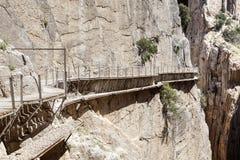 Fotvandra slingan Caminito del Rey Malaga landskap, Spanien arkivfoton