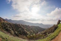 Fotvandra slingan till det Hollywood tecknet, en vandring på monteringslän, Hollywood, Kalifornien Royaltyfri Foto