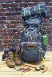 Fotvandra utrustning, ryggsäcken, kängor och ryggsäcken Arkivbild