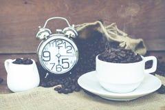 Fou dans l'amour avec du café Photo stock