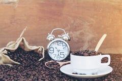 Fou dans l'amour avec du café Photos libres de droits
