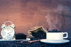 Fou dans l'amour avec du café Photographie stock libre de droits