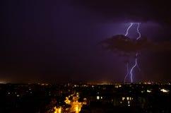 Foudre au-dessus de la ville Image libre de droits