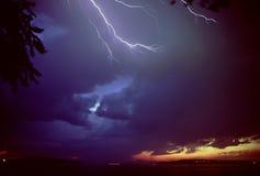 Foudre au-dessus de son de Puget Photographie stock