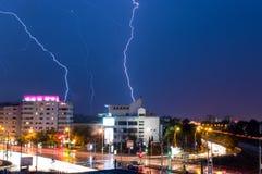 Foudre pendant la tempête Photographie stock libre de droits