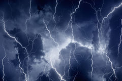 Foudres en ciel orageux Images libres de droits