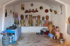 Foudroyez la maison dans le matmata, Tunisie dans le désert du Sahara Image stock