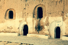 Foudroyez la maison dans le matmata, Tunisie dans le désert du Sahara Images stock