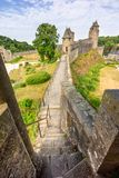 Fougeres-Schloss in Bretagne lizenzfreie stockfotos