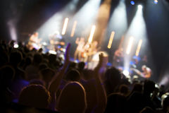 Foule au concert sous tension Photographie stock libre de droits