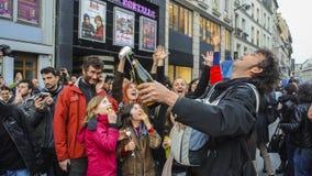 Foule célébrant le président de Français de résultats Images libres de droits