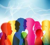 foule Communication entre les personnes Groupe de personnes Profils colorés de shilouette illustration stock