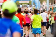 Foule courante au marathon photo libre de droits