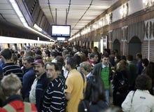 Foule dans la station de métro Photographie stock libre de droits