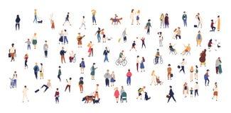 Foule des personnes minuscules marchant avec des enfants ou des chiens, bicyclettes de monte, position, parler, fonctionnant Homm illustration de vecteur