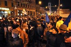 Foule des personnes pendant une protestation de rue Photos libres de droits
