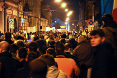 Foule des personnes pendant une protestation de rue Photographie stock libre de droits