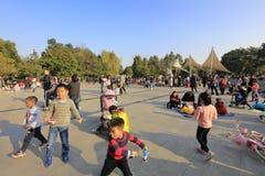 Foule en parc de huanhuaxi, adobe RVB photo libre de droits