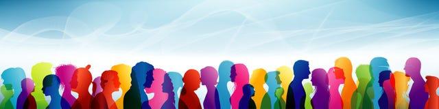 foule Groupe de personnes Communication entre les personnes équipe Profils colorés de shilouette illustration libre de droits