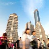 Foule piétonnière de point de raccordement de Changhaï photographie stock