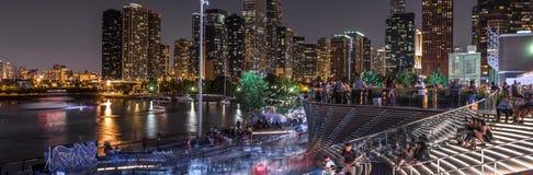 Foules au pilier de marine du ` s de Chicago Image libre de droits