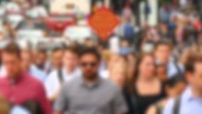Foules des personnes dans la boucle financière du centre de Chicago brouillée clips vidéos