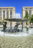 Fountain and architecture Royalty Free Stock Images