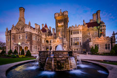 Fountain and Casa Loma at twilight, in Midtown Toronto, Ontario. Stock Photography