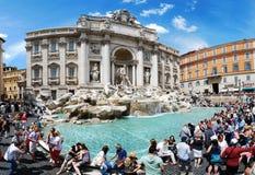 Fountain di Trevi - el lugar de la mayoría de la Roma famosa fotografía de archivo libre de regalías