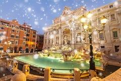 Fountain di Trevi en Roma, Italia imagenes de archivo