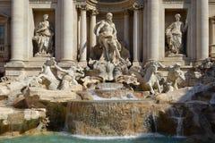 Fountain di Trevi - fuentes de la mayoría de la Roma famosa Imagen de archivo libre de regalías