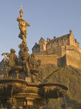 Fountain and Edinburgh Castle (Vertical) Stock Photography