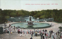Fountain and May partin in Central Park in 1905 Royalty Free Stock Photo