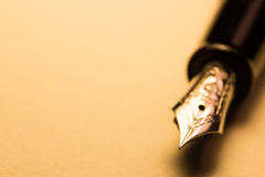 Free Fountain Pen Royalty Free Stock Photos - 43259138