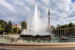 Fountain and Soviet War Memorial in Vienna Royalty Free Stock Photography