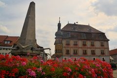 Fountain and town house in old center Royalty Free Stock Photos
