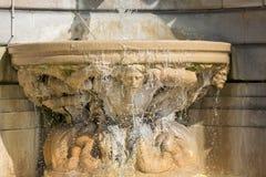 Fountaine del corazón sagrado de Jesus Basilica, París Fotos de archivo