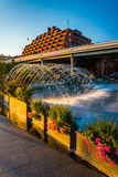 Fountains and flowers on the waterfront in Georgetown, Washingto Stock Photo