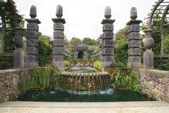 Fountian au jardin de château d'Arundel à Arundel, le Sussex occidental, Angleterre, l'Europe Image libre de droits