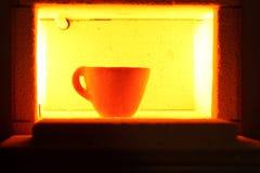 Four à moufle avec la poterie Photo libre de droits