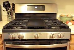 Four moderne de cuisinière à gaz d'acier inoxydable image stock