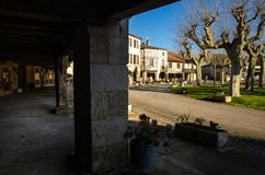 Fources is een originele ronde Bastide in het Ministerie van Gers, Frankrijk stock foto