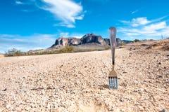 Fourchette dans la route photographie stock