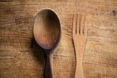 Fourchette et cuillère en bois Image stock