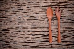 Fourchette et cuillère sur le concept en bois grunge de fond de nourriture, desi de menu Image libre de droits