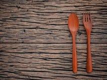 Fourchette et cuillère sur le concept en bois grunge de fond de nourriture, desi de menu Images libres de droits