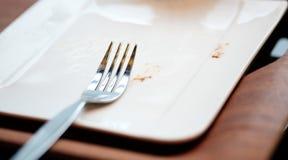 Fourchette sur le plat vide Photos libres de droits