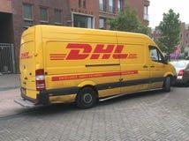 Fourgon de livraison sale de DHL Photographie stock libre de droits